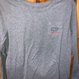 Grey Christmas vineyard vines woman's T-shirt